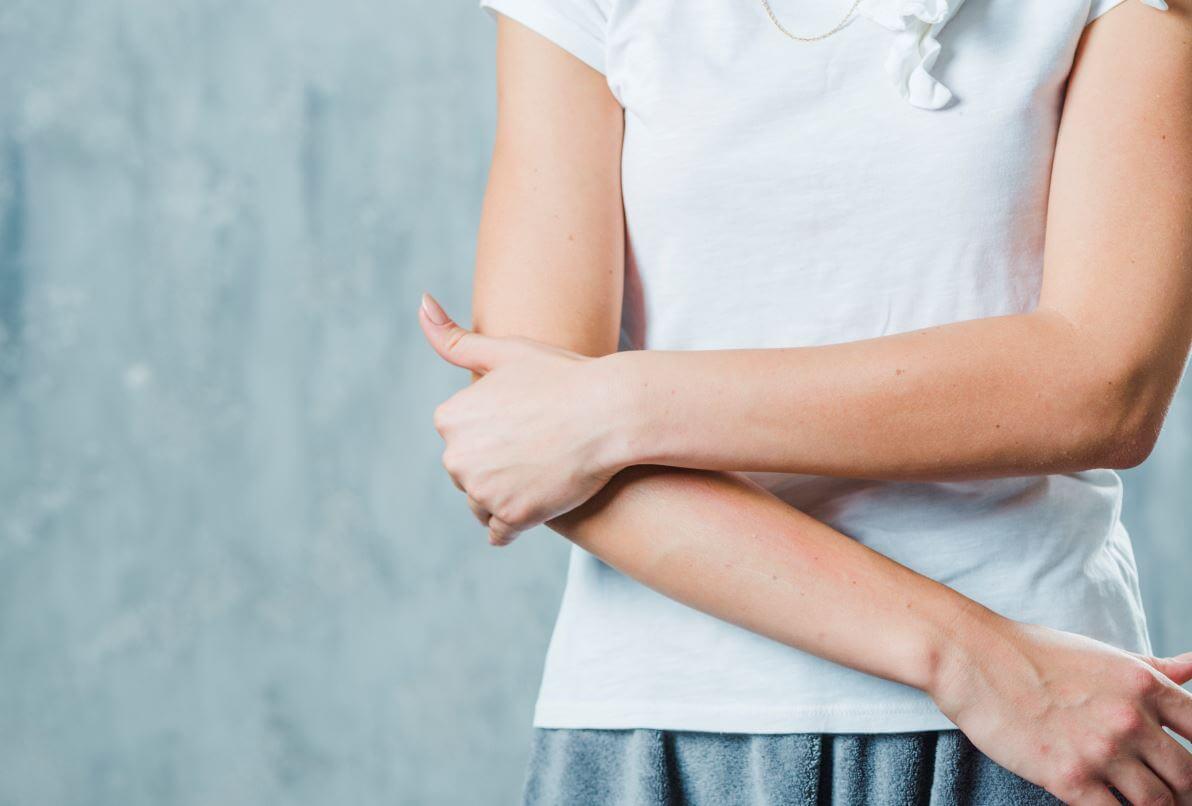 a térd ízületének részleges károsodása fájdalom és kellemetlenség a csípőízületben