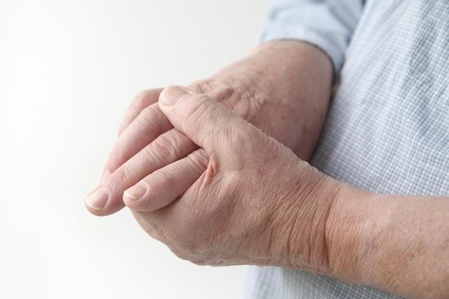 az ujjak kis ízületei fájnak