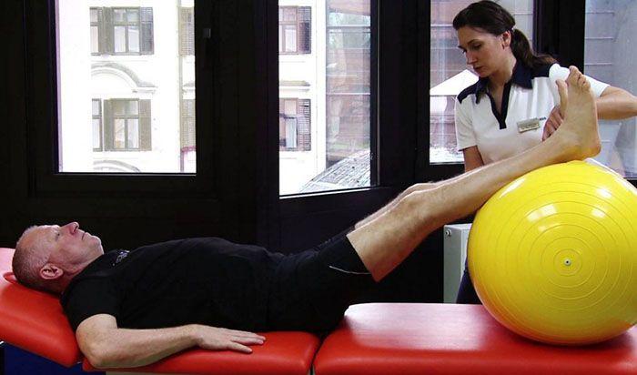 a térd artrózisának kezelésére szolgáló gyakorlatok sorozata kenőcs a nyaki csontritkulás fájdalomcsillapítására
