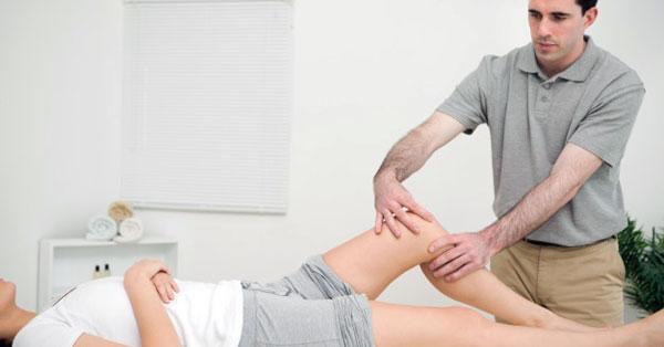 Miért ébredhetünk nyakfájással? Íme, a lehetséges okok - EgészségKalauz