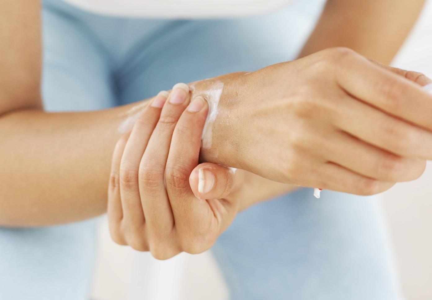 hogyan kezeljük a fájdalmat a láblábain típusú injekciók ízületi fájdalmakhoz