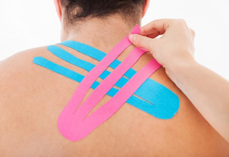 térd keresztező szalag sérülése terhekkel, könyökízület fájdalma