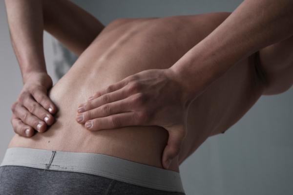 fájdalom fenékétől térdig i. fokú csípőízületi kezelés