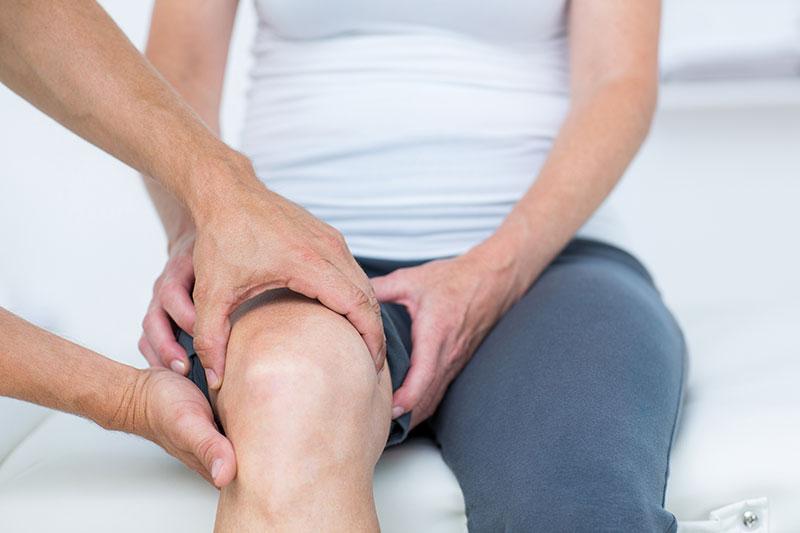 éles fájdalom a térdízületek kezelésében