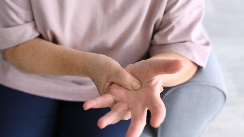 miért fáj a kéz ízülete reggel 1 fokos csípőízületek deformáló artrózisának jelei