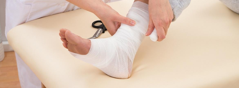 izomfájás könyökízület kezelése
